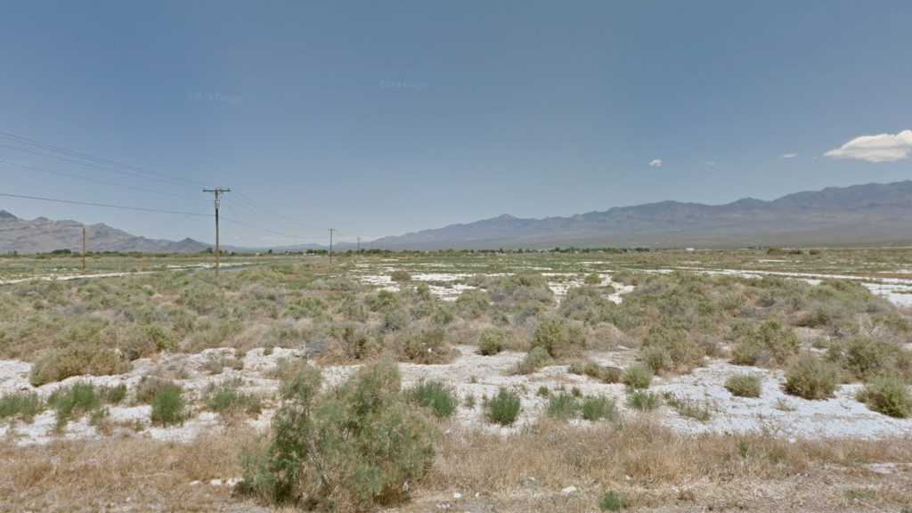 0.47 Acre Lot in Pahrump, NV. APN#033-552-18 Street view of the property