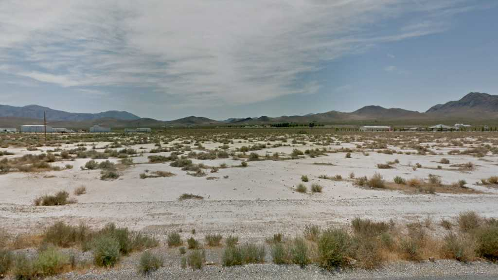 1 Acre Lot in Pahrump, NV. APN#041-622-12 Street view of the property