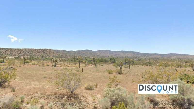2.5 acres Lot in Pearblossom,CA. APN# 3047-016-045 Street view of the property