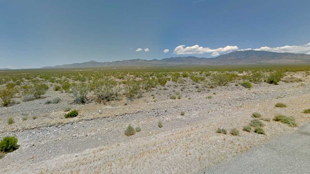 0.27 Acre Lot in Pahrump, NV. APN#043-231-08 Street view of the property
