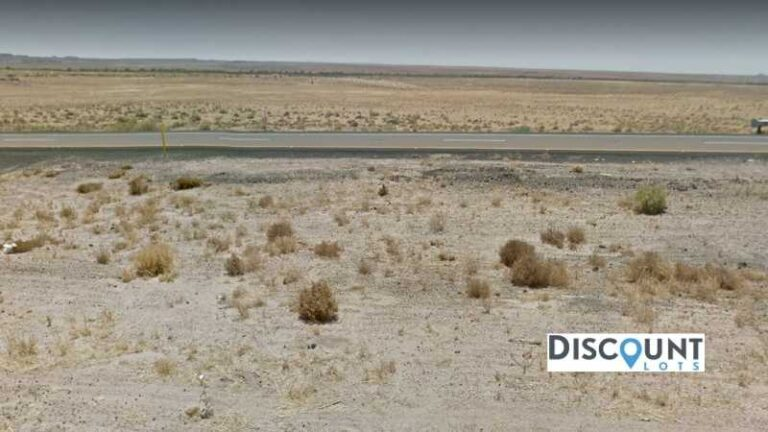 1.26 acres Lot in Holbrook , AZ. APN# 105-56-191 Street view of the property