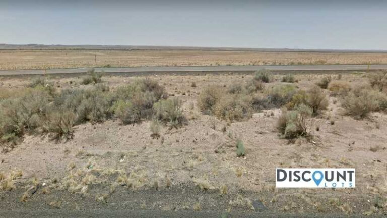 1.27 acres Lot in Holbrook, AZ. APN# 105-56-201 Street view of the property