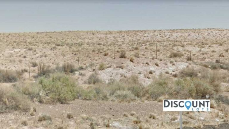1.26 acres Lot in Holbrook, AZ. APN# 105-56-270 Street view of the property
