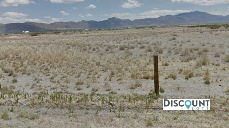 0.25 acres Lot in Willcox , AZ. APN# 203-54-484 Street view of the property