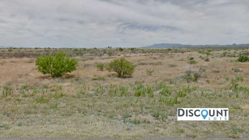 0.31 acres Lot in Douglas , AZ. APN# 407-79-161 Street view of the property