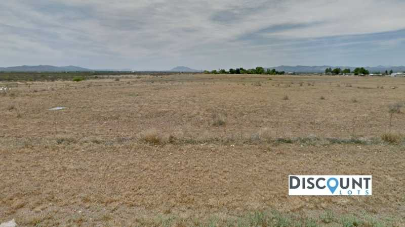 0.31 acres Lot in Douglas , AZ. APN# 407-80-291 Street view of the property
