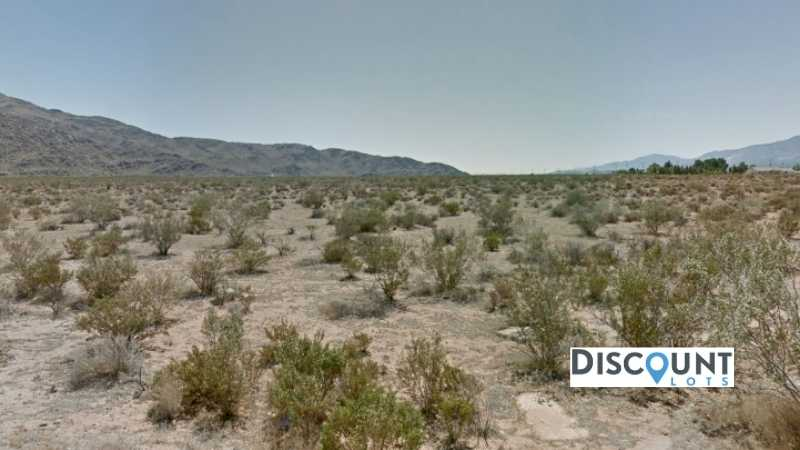 3.85 acres Lot in Apple Valley, CA. APN# 0435-132-67 Street view of the property