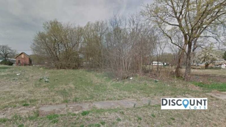 0.08 acres Lot in Independence, KS. APN# 087-36-0-30-08-004.00-0 Street view of the property