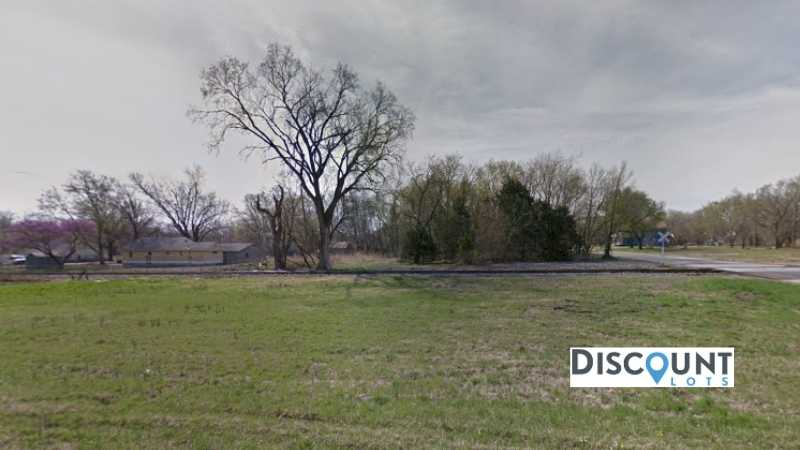 0.2 acres Lot in Independence, KS. APN# 087-36-0-40-10-002.00-0 Street view of the property