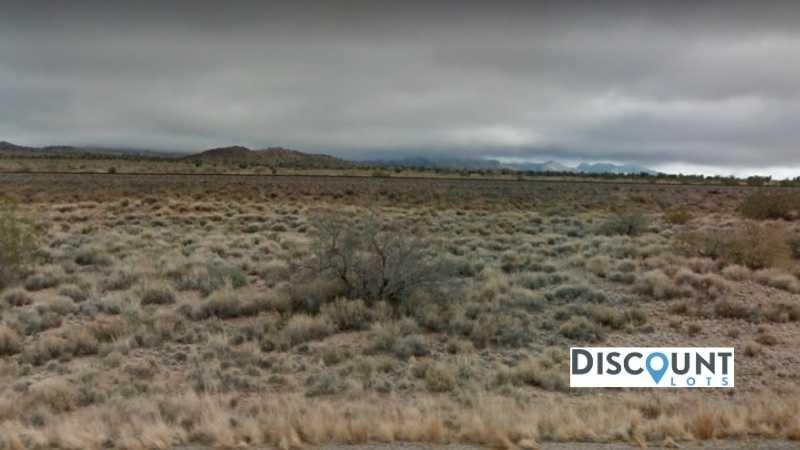 0.2 acres Lot in Kingman, AZ. APN# 313-49-476 Street view of the property