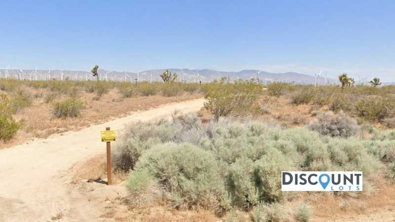 2.1 acres Lot in Mojave, CA. APN# 326-072-01-00-3 Street view of the property