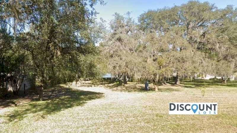 0.69 acres Lot in Keystone Heights,FL. APN# 20-08-23-002431-000-00 Street view of the property