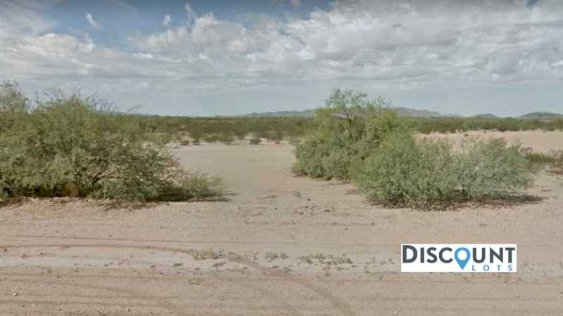 0.33 acres Lot in Eloy,AZ. APN# 402-17-027 Street view of the property