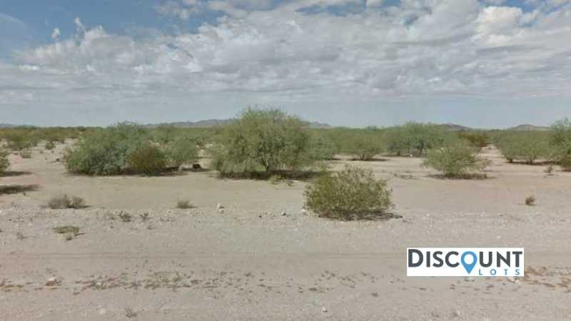 0.33 acres Lot in Eloy,AZ. APN# 402-17-028 Street view of the property