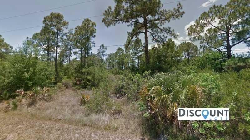 0.17 acres Lot in Punta Gorda,FL. APN# 422310233019 Street view of the property