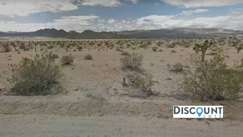 2.50 acres Lot in Joshua Tree,CA. APN# 0604-251-19-0000 Street view of the property