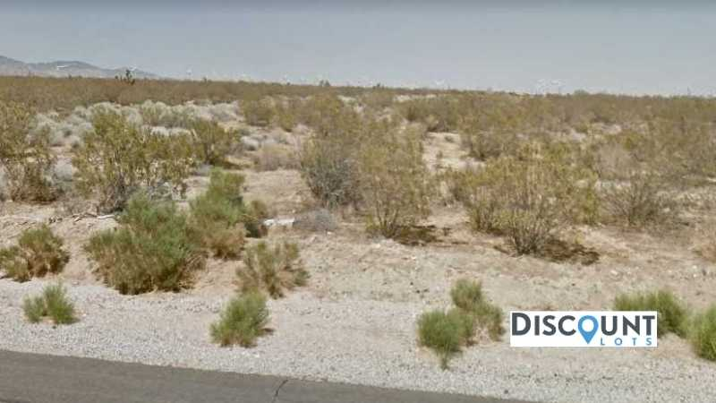 2.5 acres Lot in Rosamond,CA. APN# 474-060-31-00-3 Street view of the property
