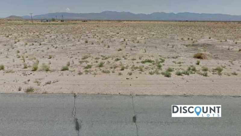 APN 3082-001-030 - Main Street View Front