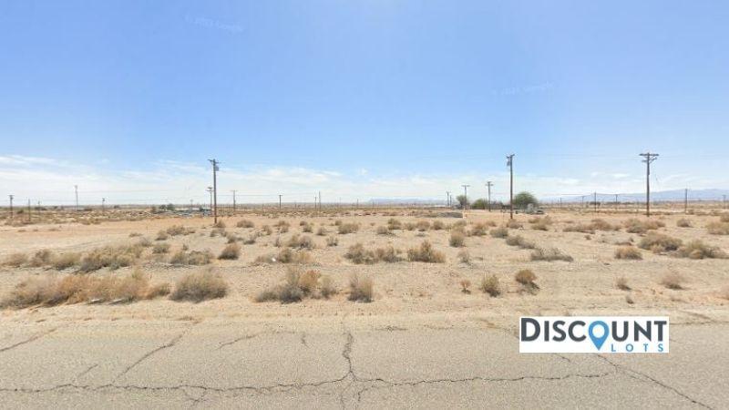 APN 016-144-011-000 - Main Street View Front